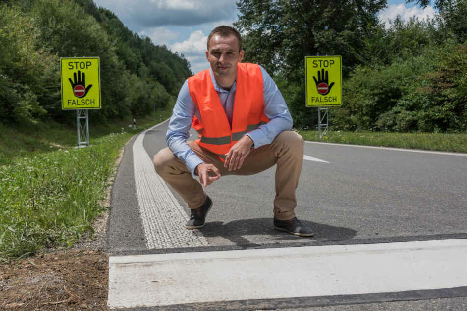 Mit diesen Markierungen will der sächsische Polizist Konstantin Berkovych (28) Geisterfahrer aufhalten.