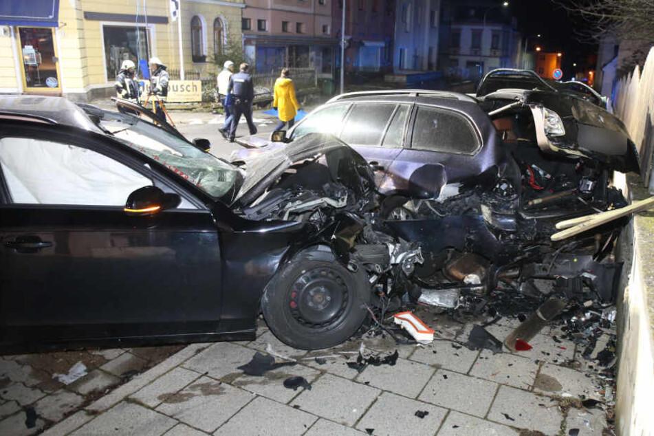 Der Audi-Fahrer raste im Anschluss noch gegen ein Auto.