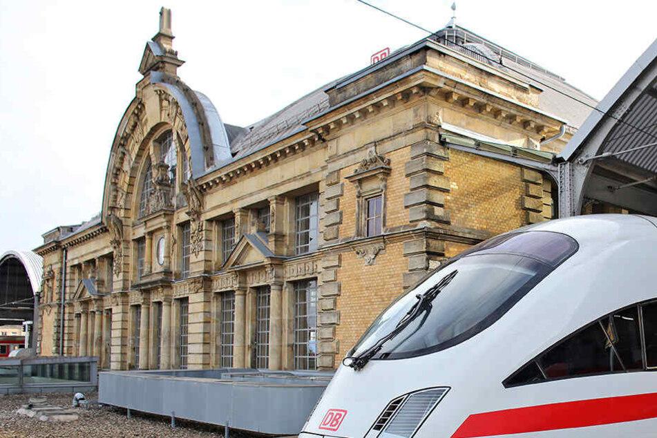 Am Hauptbahnhof in Halle (Saale) schrie der Mann verfassungswidrige Parolen.