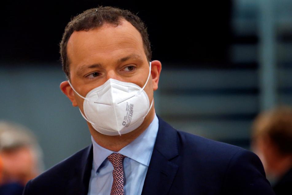 Geht es nach Jens Spahn (41, CDU) sollten sich so viele Deutsche wie möglich nur impfen lassen.