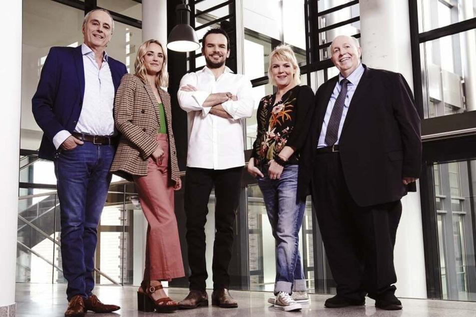 Das neue Team: Neben Reiner Calmund (re.) werden Christian Rach (li.) und Mirja Boes (2.v.re.) am Jury-Tisch Platz nehmen. Die Moderation übernimmt Annie Hoffmann.