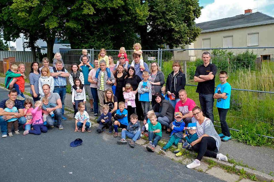 Der Kampf hat sich gelohnt: Nach Eltern-Protesten steht nun fest, dass die Kita in Reichenhain saniert wird.