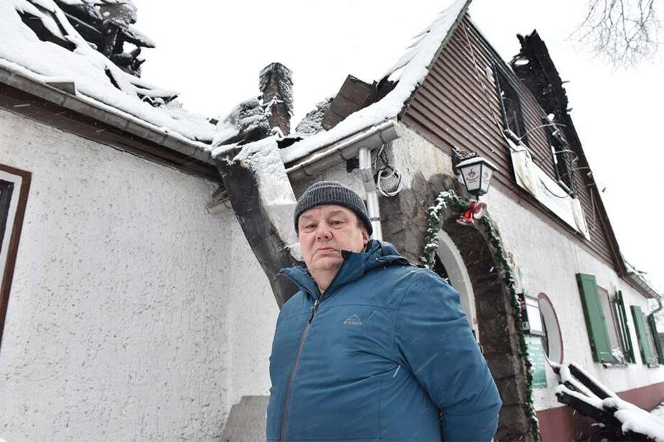 Waldschänken-Wirt Frank Kunath (58) schätzt den Schaden an seinem Lokal auf eine knappe Million Euro.