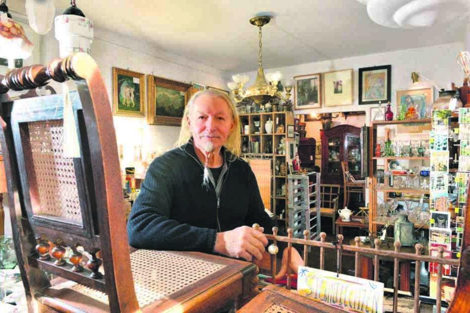 Inhaber Andreas Fischer (65) schließt den Kunst- und Trödelladen nach 20 Jahren.