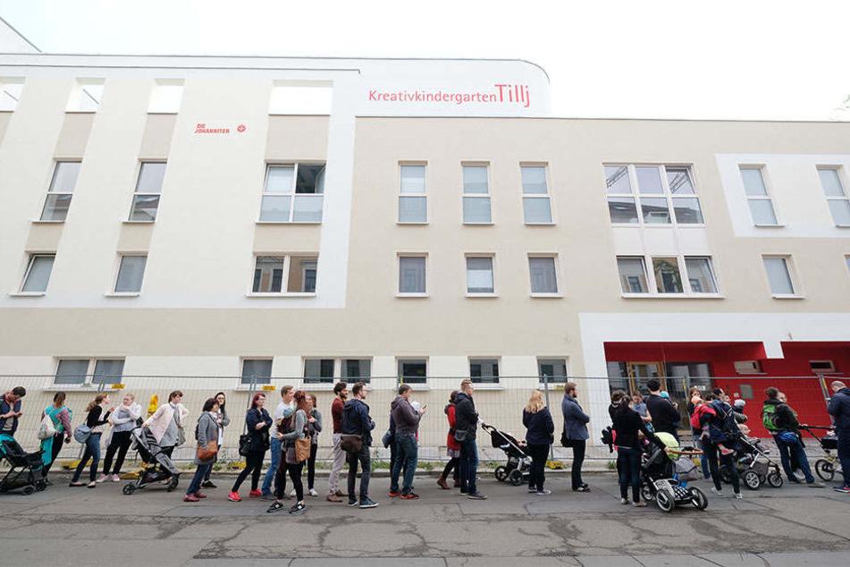 """Erst am 13. Mai hatte es einen Massenansturm auf die Kita """"Tillij"""" in der Südvorstadt gegeben: Zu wenig Plätze für zu viele Kinder!"""