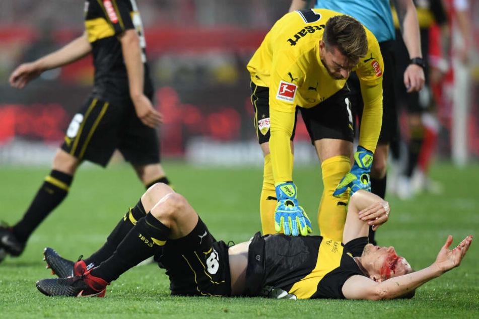Holger Badstuber blutet stark nach einem Zusammenprall mit dem eigenen Mitspieler.