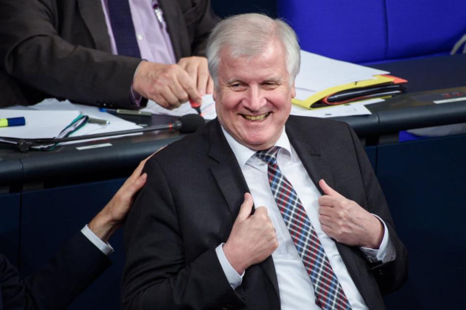 Nicht unbestritten: Horst Seehofer wird Ehrenbürger der Stadt Augsburg