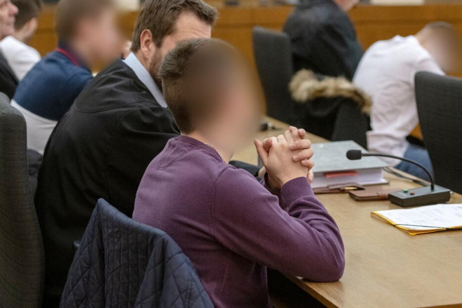 Schüler Maurice K. erstickt an eigenem Blut: Urteile gefallen!