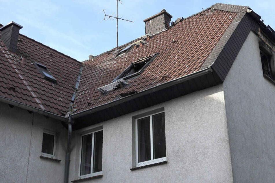 Das Feuer war im Dachgeschoss ausgebrochen und hatte sich auf die zweite Etage ausgebreitet.