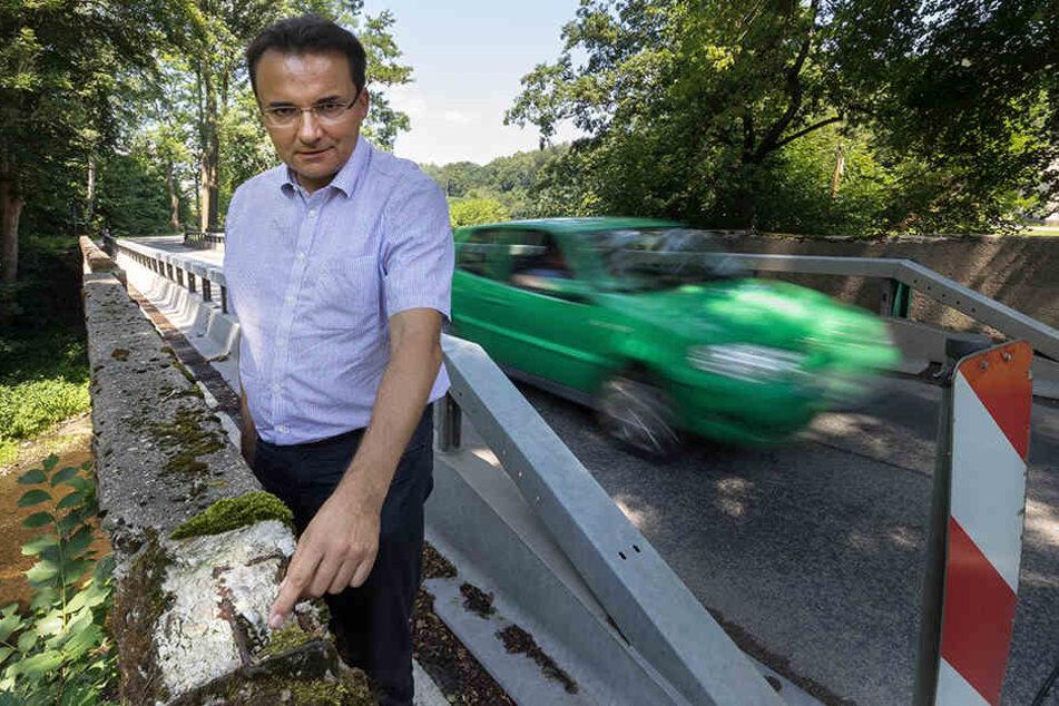 Die Brücke in Nenningmühle soll seit Jahren ersetzt werden. Aber nichts geschieht, kritisiert Bürgermeister Ingolf Wappler (47, CDU).