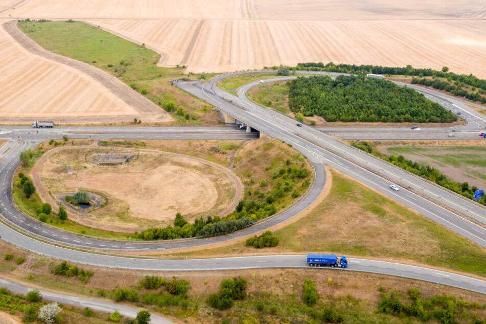 Aktuell endet die A143 noch in einem Feld.