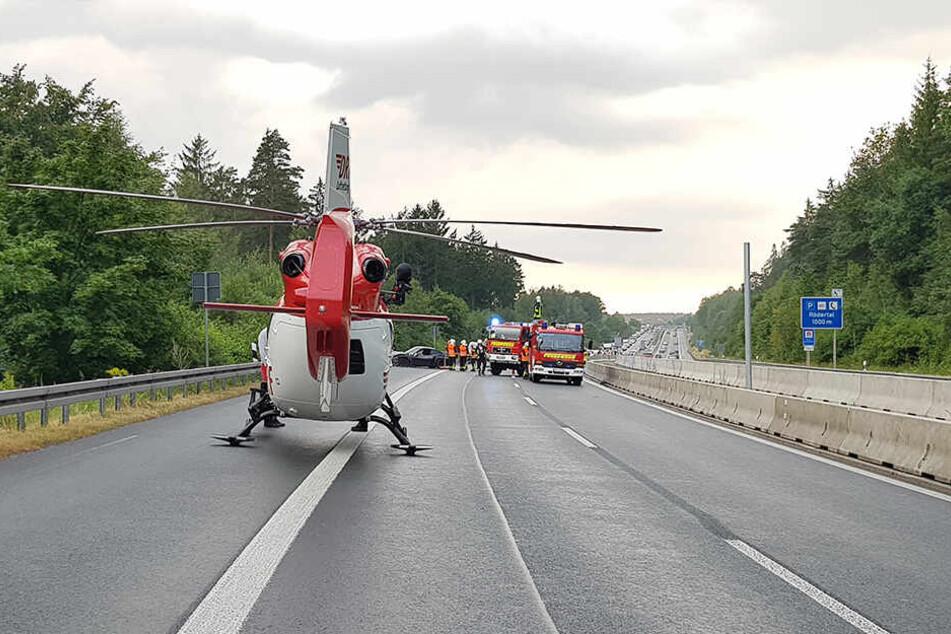 Ein Rettungs-Hubschrauber war ebenfalls vor Ort im Einsatz.