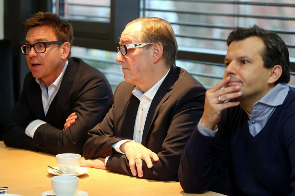 Markus Rejek (v.l.), Präsident Hans-Jürgen Laufer und Sport-Chef Samir Arabi gaben Auskunft. (Archivbild)