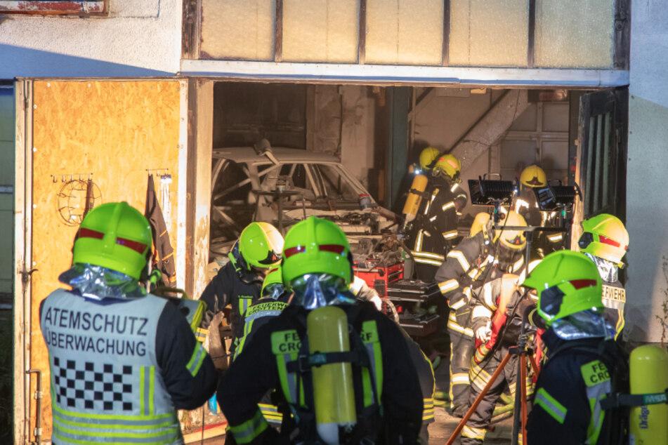 Offenbar Brandstiftung! Ein Verletzter bei Garagenbrand im Erzgebirge