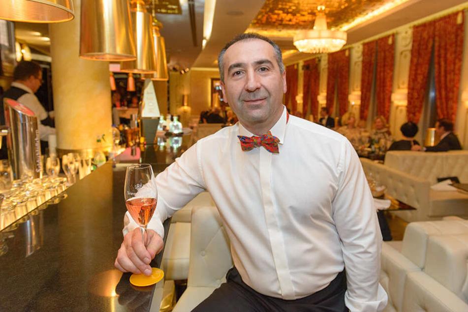 Arturo Gevorgyan (49) freut sich auf den 6. Geburtstag seiner Champagner Lounge.