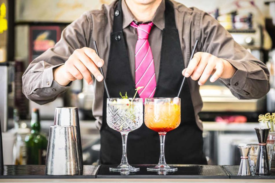 Wenn Kellner in den USA demnächst Strohhalme servieren, soll ihnen der Knast drohen. So sieht es zumindest ein Gesetzesentwurf der Demokraten in Kalifornien vor.