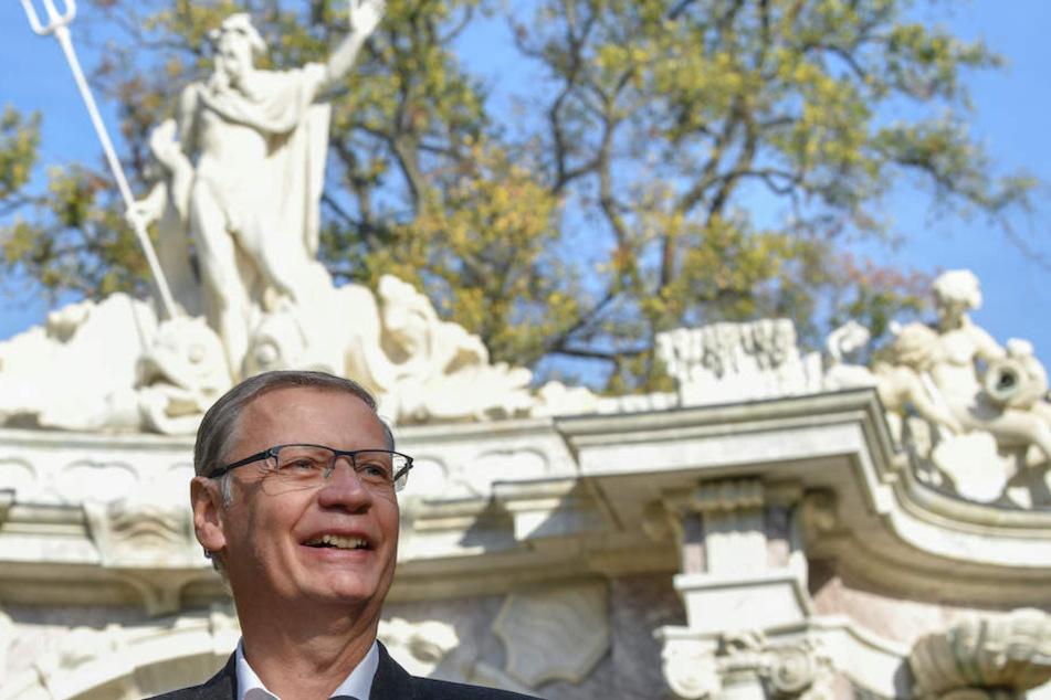 Sein Geld hat wieder mal Gutes bewirkt: Günther Jauch (62) strahlte im Schlosspark Sanssouci mit der Sonne um die Wette.