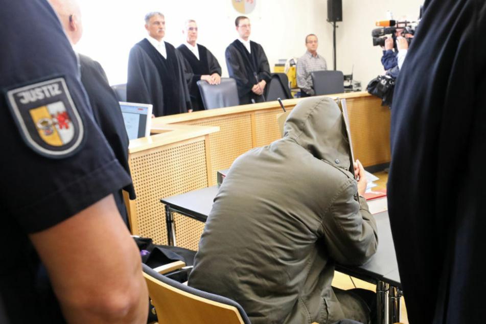 """Im Revisionsprozess gegen den 29-jährigen Stiefvater soll ermittelt werden, ob im Fall der getöteten Leonie ein Mord aus """"niederen Beweggründen"""" vorliegt. (Archivfoto)"""