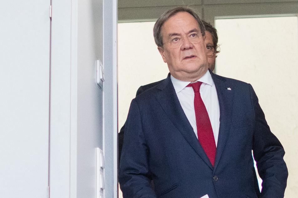 NRW-Ministerpräsident Armin Laschet (CDU) will die Grenzen in der Corona-Pandemie offen halten.