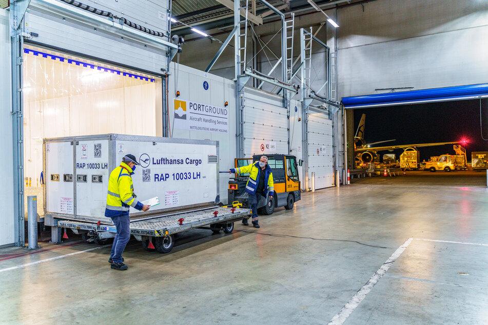 Der Flughafen in Leipzig/Halle ist ein für sensible Pharmasendungen zertifizierter Flughafen.