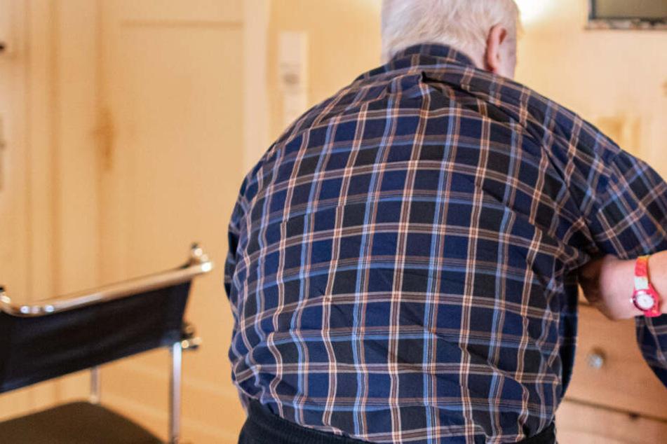 In Bayern wurde ein Rentner offenbar mehrfach betäubt und bestohlen. (Symbolbild)