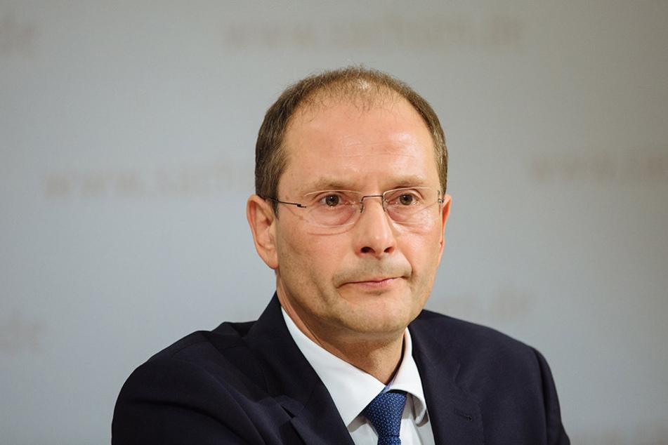 Innenminister Markus Ulbig (CDU) hat das neue Landratsamt in Plauen eröffnet.