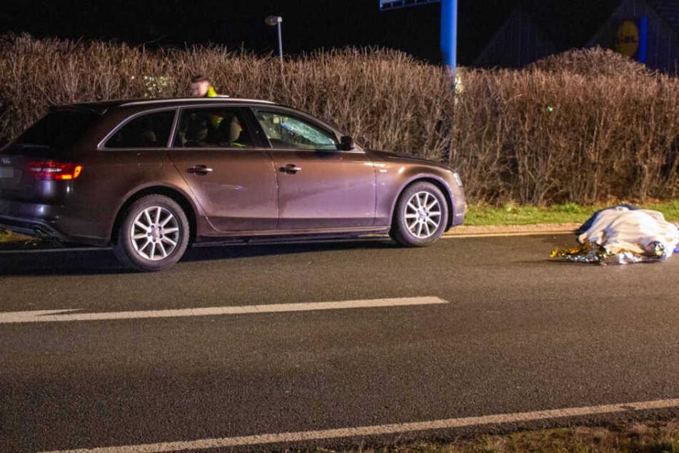 Der Audi erfasst den 58-jährigen Roßtaler.