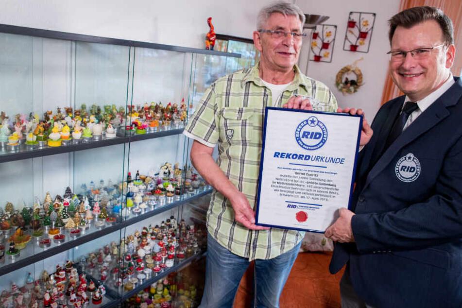 Bernd Goeritz erhielt von Olaf Kuchenbecker, oberster Rekordrichter des Rekord-Instituts für Deutschland, die offizielle Urkunde.