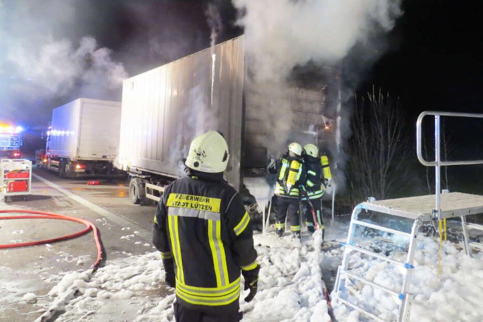 Brummi brennt auf der Autobahn: A9 muss gesperrt werden