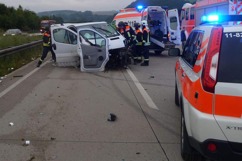 A9 nach schwerem Unfall vollgesperrt