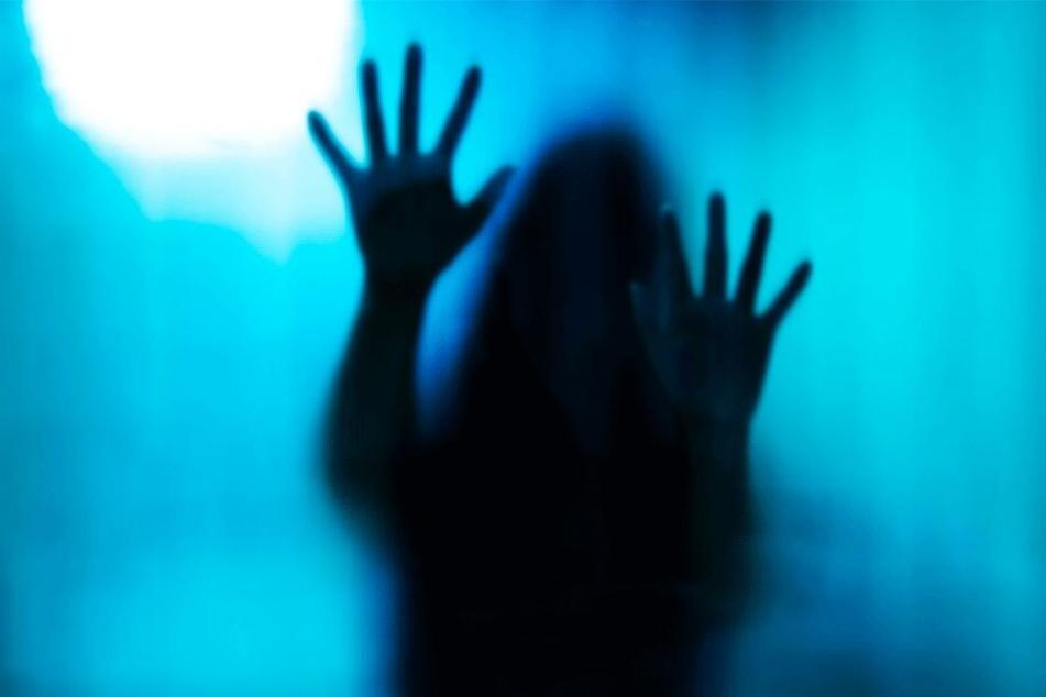Die Dreizehnjährige muss durch die Hölle gegangen sein (Symbolbild).