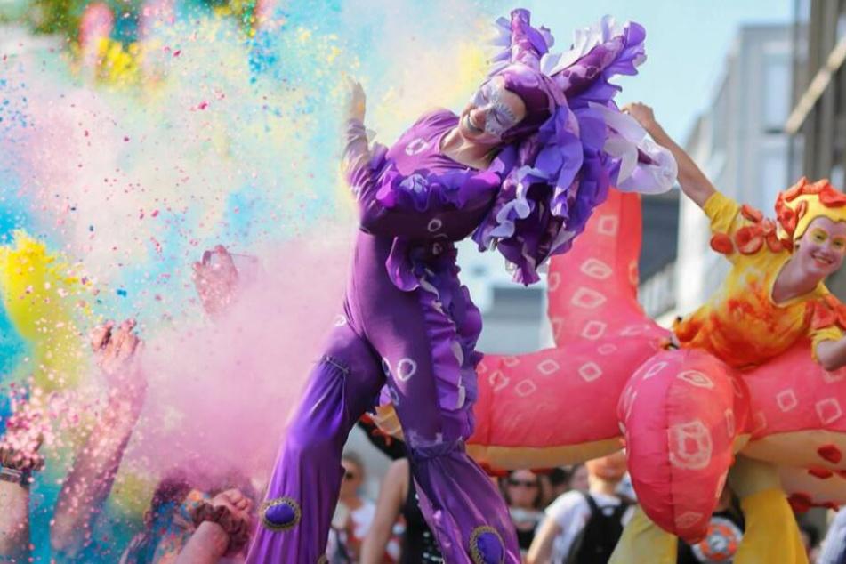"""Von """"Carnival der Kulturen"""" bis """"Holi Festival"""": Der Samstag in OWL wird bunt"""