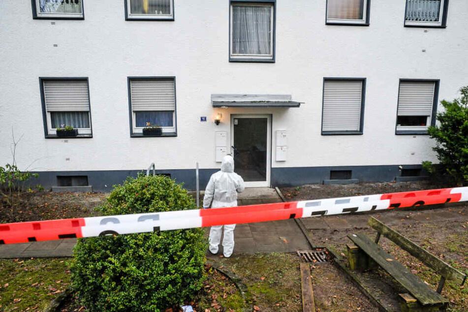 Während einer Privatparty ist eine 19-jährige Frau aus dem vierten Stock eines Mehrfamilienhauses in Halle (Saale) gestürzt. (Symbolbild)