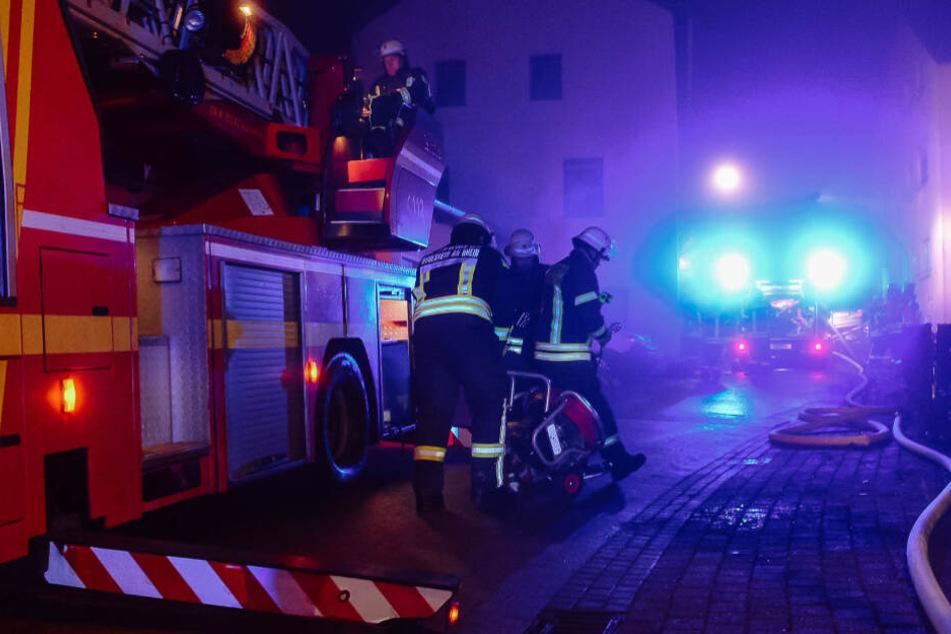 Rund 40 Feuerwehrleute waren im Einsatz.