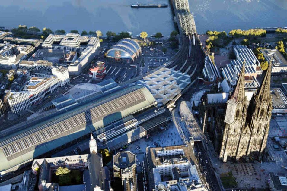 Der Kölner Hauptbahnhof mit dem Dom.