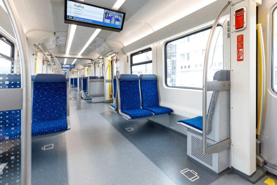 Weniger Sitzplätze, dafür passen mehr Menschen in den neuen Zug.