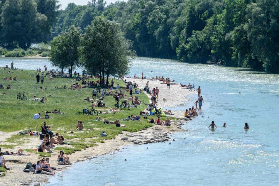Die Isar wird in München als Naherholungsgebiet genutzt, Umweltschützer befürchten radioaktive Verseuchung.