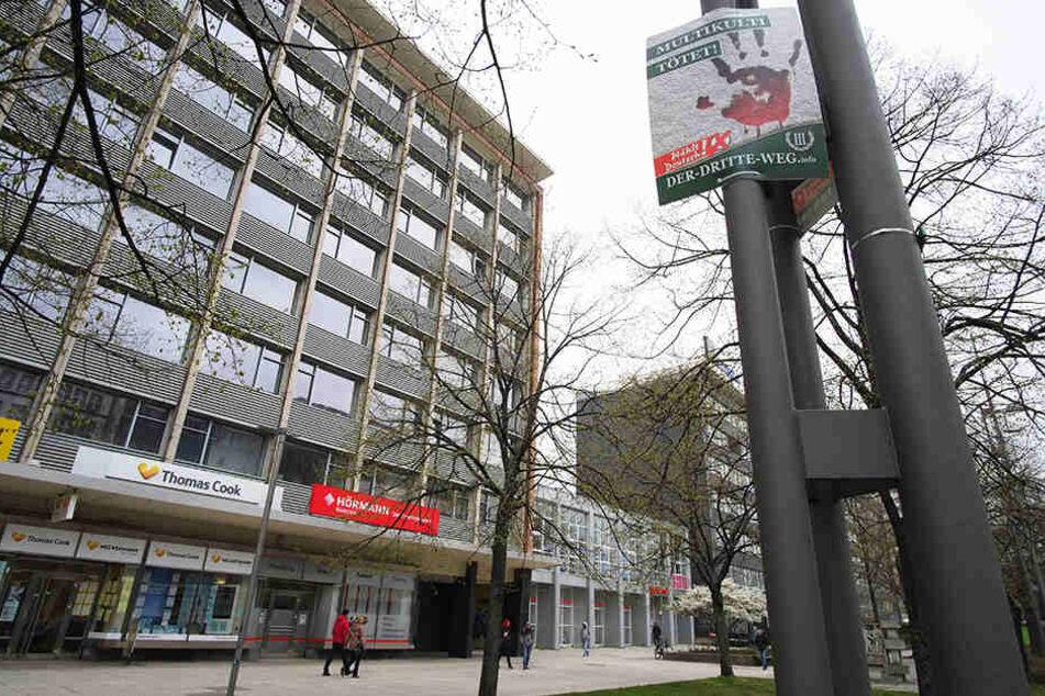 """Staatsanwalt prüft Wahlwerbung: """"Der III. Weg"""" pflastert City zu"""
