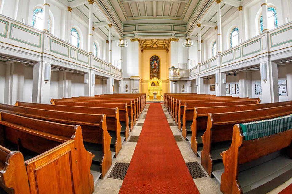Schon mehrfach wurde in die schöne Emmauskirche in Freital eingebrochen.  Diesmal verschwanden die ideell unersetzbaren Heiligtümer.