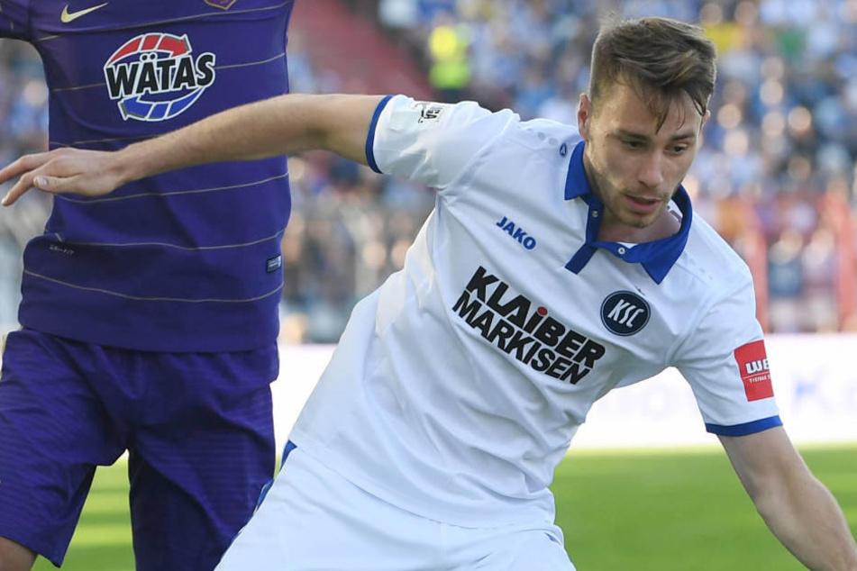 Matthias Bader noch im KSC-Trikot beim Relegations-Hinspiel gegen Erzgebirge Aue.
