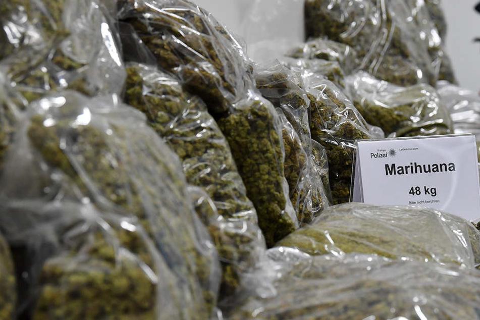 48 Kilogramm Marihuana konnten durch Polizei und Zoll beschlagnahmt werden.