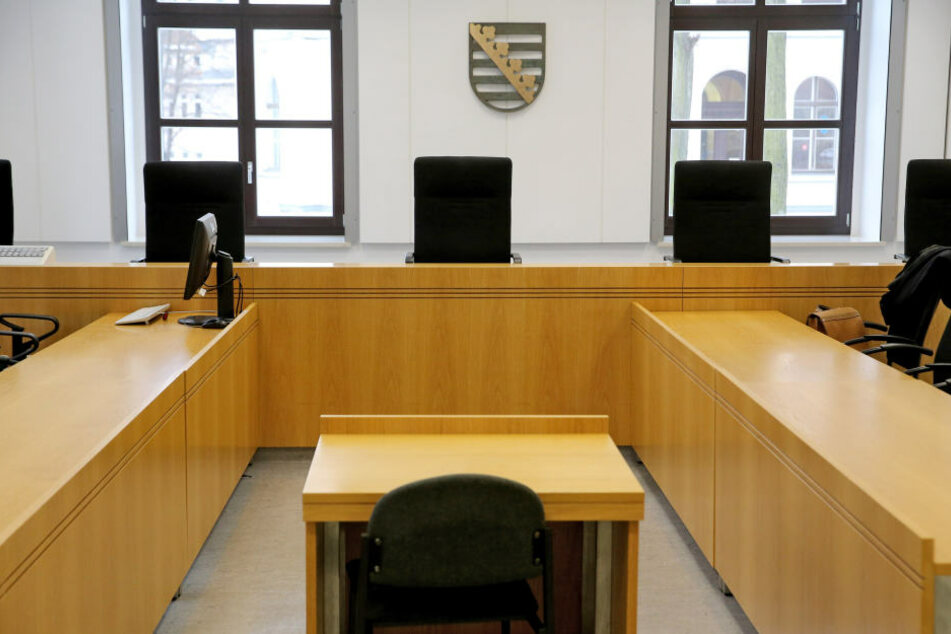 Weil zwei Zeuginnen aus Ungarn am Montag nicht zur Verhandlung am Landgericht Chemnitz erschienen waren, konnte die Beweisaufnahme nicht abgeschlossen werden (Symbolbild).