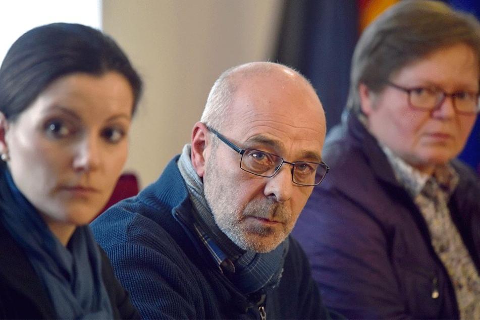 Milva Schonhauer, Kriminaloberkommisarin (l-r), Ulrich Schmitz, Kriminalhauptkomissar und Anette Milk, Oberstaatsanwältin.