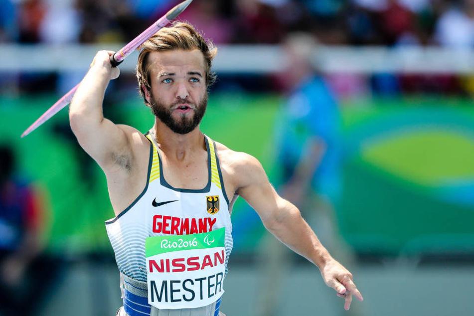 Mathias Mester (30) wurde bei den Paralympics zwar nur fünfter, seinen Sinn für Humor hat er aber nicht verloren,