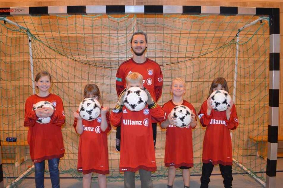 SOS-Kids glücklich: FC Bayern schickt neue Trikots