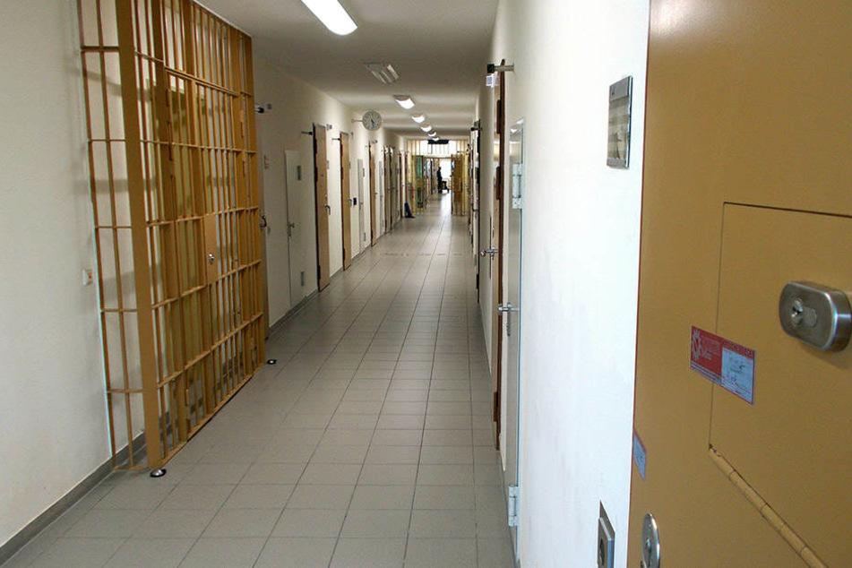 Hinter dieser Tür erhängte sich der Terrorverdächtige Dschber al-Bakr am 13. Oktober.