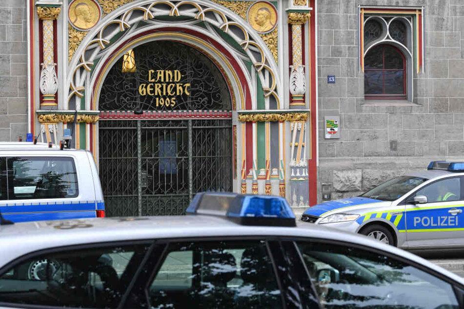 Die Polizei sucht seit Dienstagmorgen einen flüchtigen Gefangenen (33).