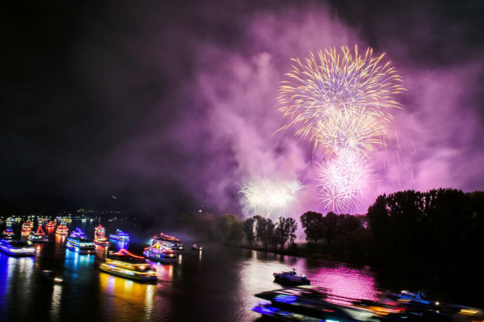 """Bei """"Rhein in Flammen"""" feierten etwa 120.000 Menschen. Allerdings gab es laut Polizei auch Zwischenfälle."""