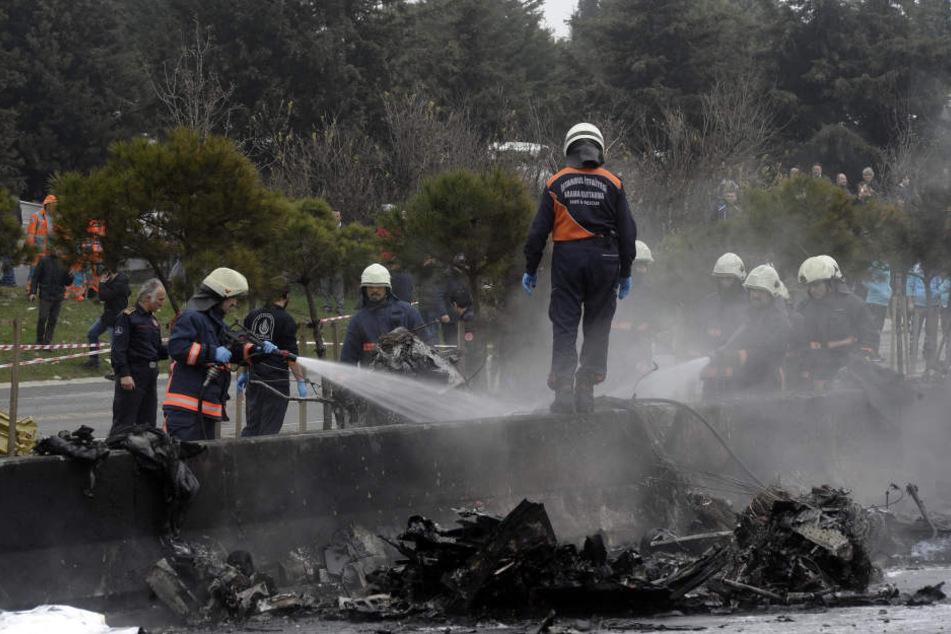 In der Türkei sind fünf Menschen bei einem Helikopter-Absturz gestorben.