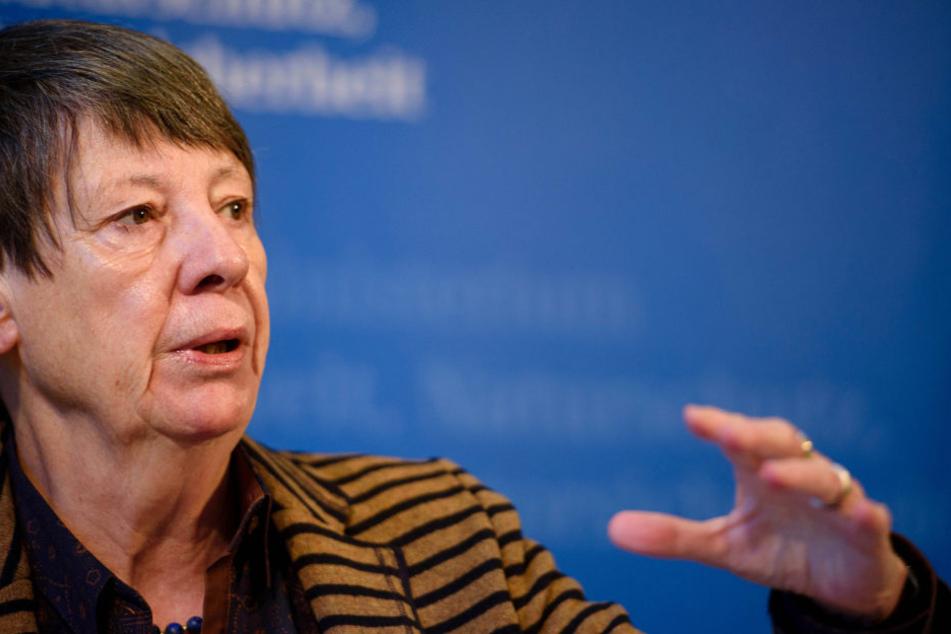 Umweltministerin Barbara Hendricks (64, SPD) bietet ihren Gästen keine Fleisch- und Fischprodukte mehr